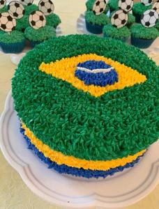 Tremendous Brazilian Flag Cake Bolo Bandeira Do Brasil Priscillakittycat Funny Birthday Cards Online Inifodamsfinfo